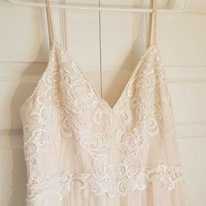 Peach/beaded beautiful size 12 wedding dress NEW